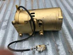 GAST 0522 Rotary Vane Air Compressor/Vacuum Pump