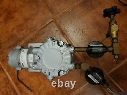 GAST #(LOA-101-JR) Air Compresor Pump VOLTS 11-15 DC AMP 9.0